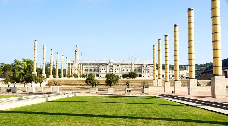 Sikt av trädgårdarna av den olympiska cirkeln av Montjuic royaltyfri fotografi
