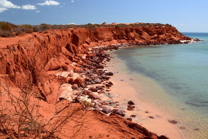 Sikt av udde Peron François Peron nationalpark Hajfjärd Västra Australien arkivfoto