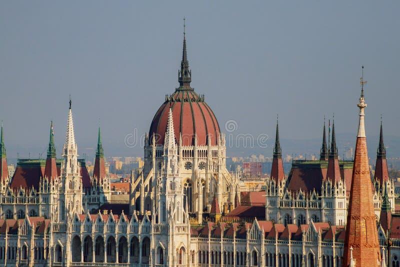 Sikt av ungersk parlamentbyggnad, Budapest, Ungern royaltyfria foton