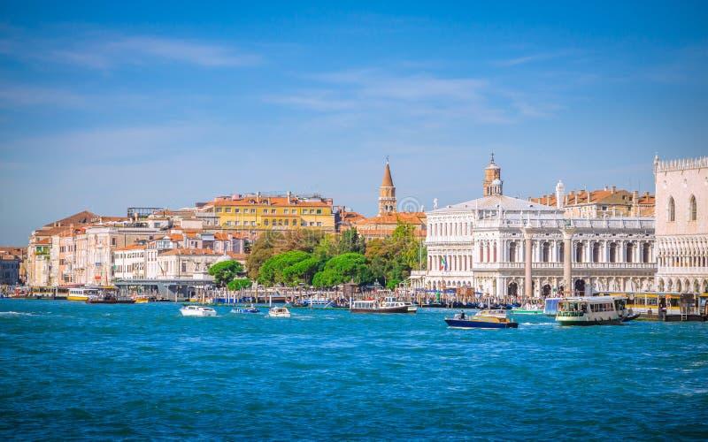 Sikt av Venedig från havet, Veneto, Italien royaltyfri foto