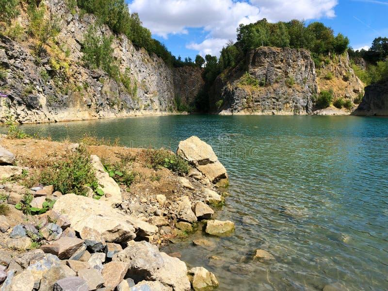 Sikt av villebrådet Dykplats Berömt läge för sötvattendykare och fritiddragning royaltyfri fotografi