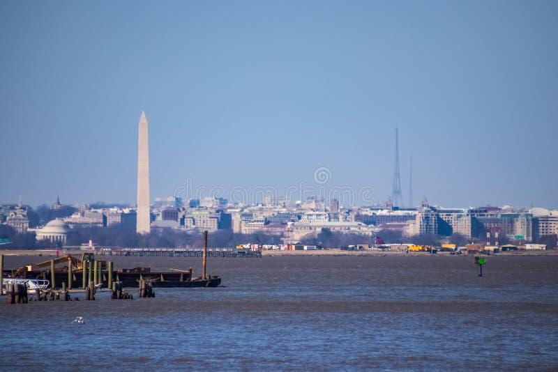 Sikt av Washington DC från Potomacet River royaltyfri foto