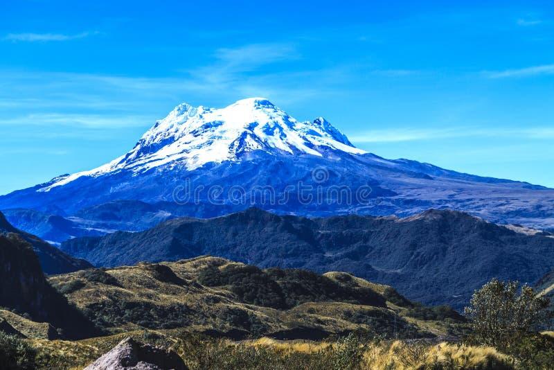 Sikt för Antisana berglandskap royaltyfria foton