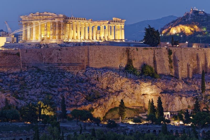 Sikt för Aten Grekland, parthenon- och akropoli skymningen arkivfoton