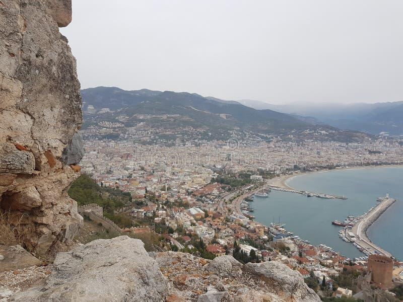Sikt för berg för överkant för ferie för vinter för hav för Turkiet Alanya thrkeyantalya marina arkivfoton