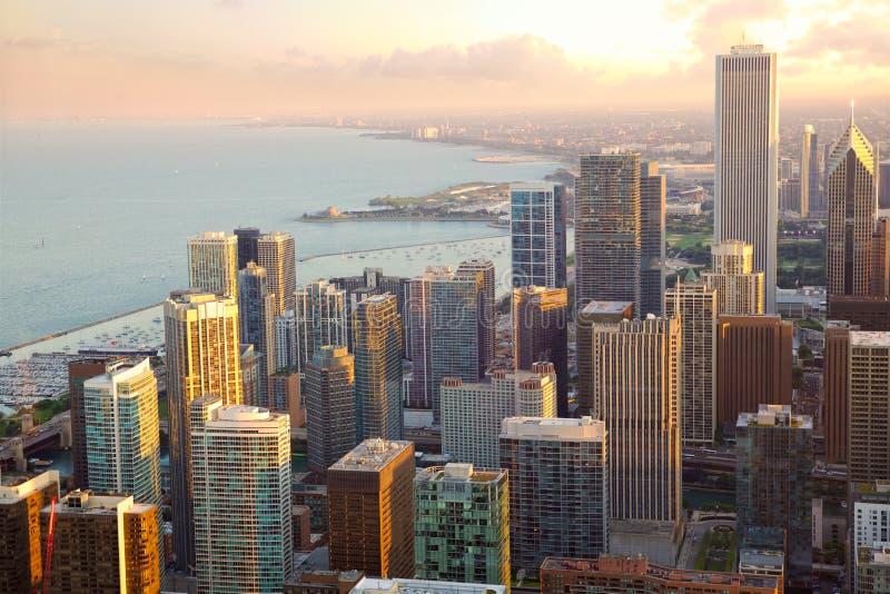 Sikt för Chicago skyskrapasolnedgång arkivbilder