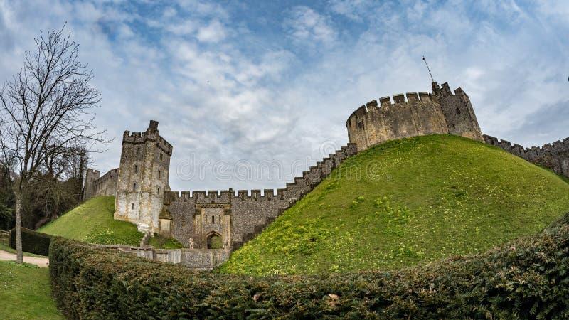 Sikt för fisköga av den medeltida Arundel slotten, England royaltyfria foton