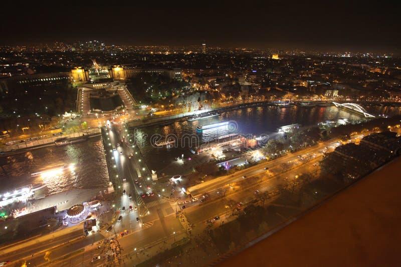 Sikt för flodSeine natt från Eiffeltorn paris arkivbilder