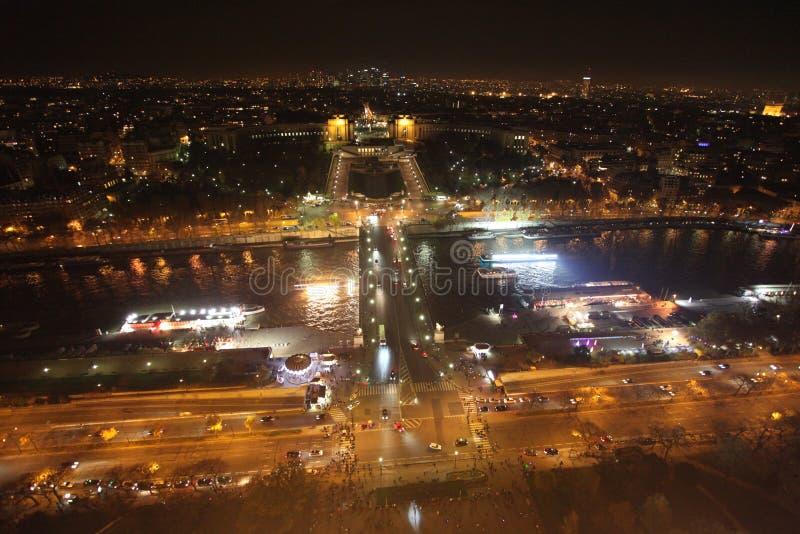 Sikt för flodSeine natt från Eiffeltorn paris royaltyfria foton