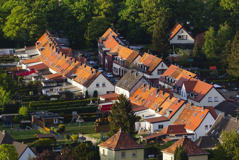 Sikt för hög vinkel av den lilla byn arkivfoto