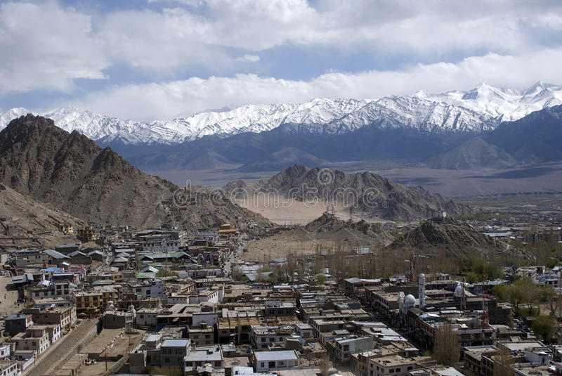 sikt för leh för stadsindia ladakh royaltyfri fotografi