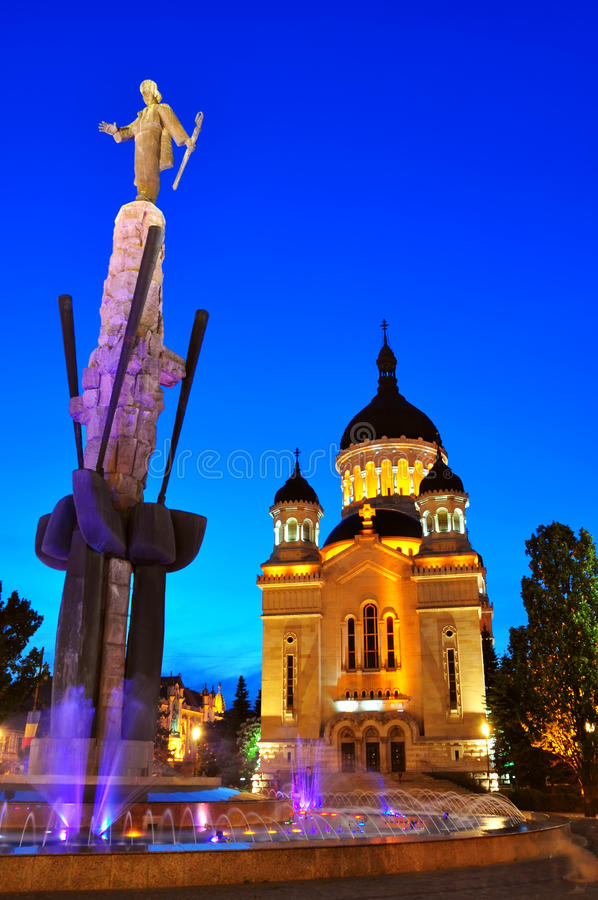 sikt för natt för domkyrkacluj napoca ortodox fotografering för bildbyråer
