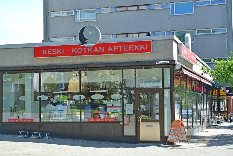 sikt för sapokka för rock för park för liggande för stadsfinland kotka En apotek` Keski - Kotkan `, royaltyfri foto
