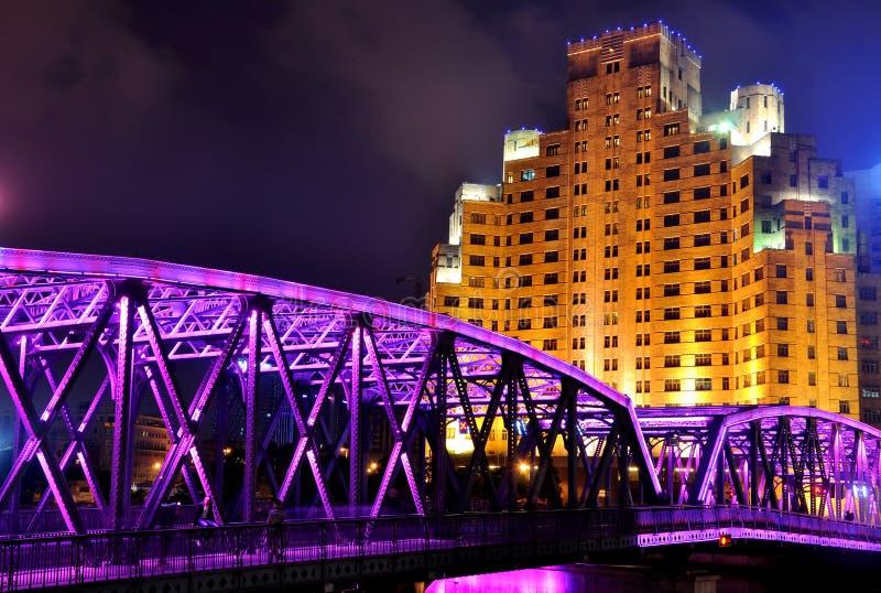 sikt för shangha för natt för broporslinträdgård arkivfoto