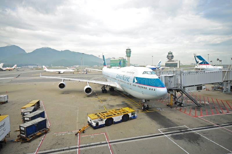 sikt för sida för nivå för 747 Cathay Pacific tanka arkivfoton