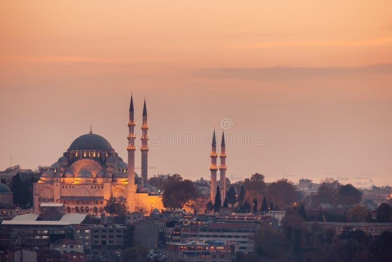 Sikt för Suleymaniye moskéafton, det störst i staden, Istanb fotografering för bildbyråer
