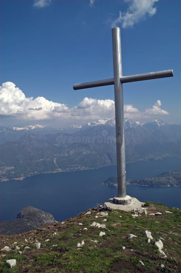 sikt för toppmöte för berg för korsitaly lake royaltyfria foton