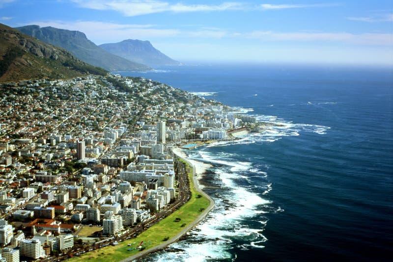 sikt för town för flyg- africa udd södra arkivbild