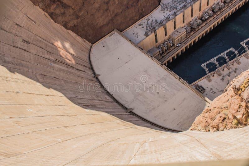 Sikt för vägg för dammsugarefördämning från över royaltyfria bilder