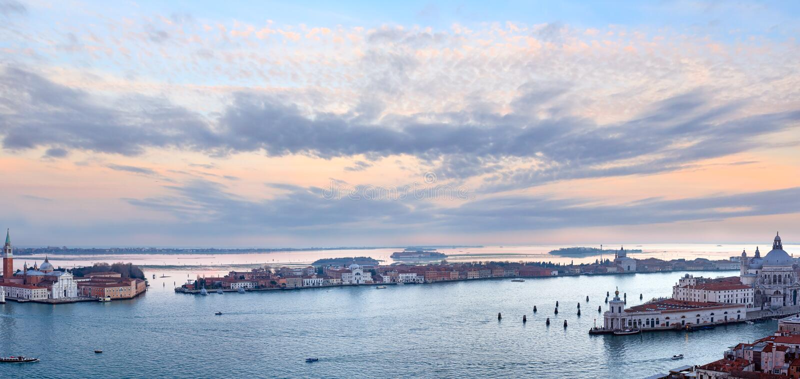 Sikt för Venedig stadsItalien solnedgång panorama arkivbild