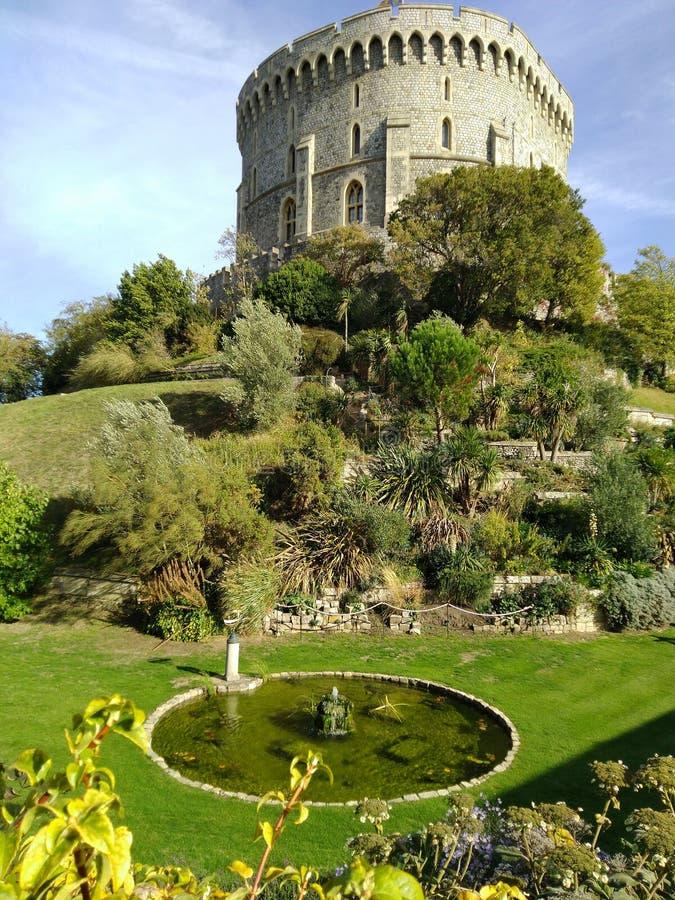 Sikt f?r Windsor slottsida F?renade kungariket royaltyfri bild