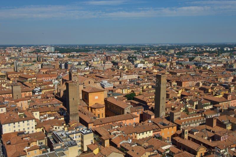 Sikt från överkant av det Asinelli tornet royaltyfria bilder
