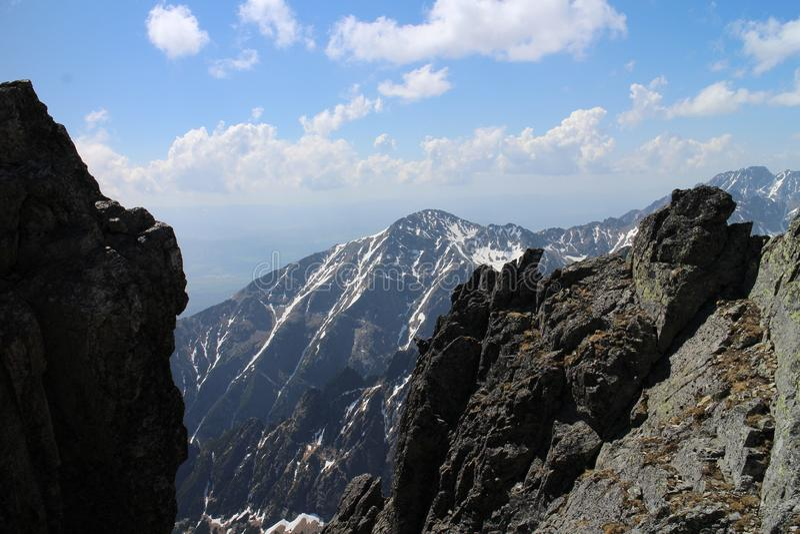 Sikt från överkant av det Lomnicky maximumet 2634 M, höga Tatras royaltyfri fotografi