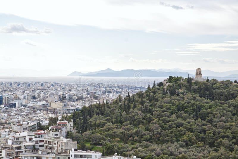 Sikt från akropolen av Aten till den Saronic golfen och porten P royaltyfri foto