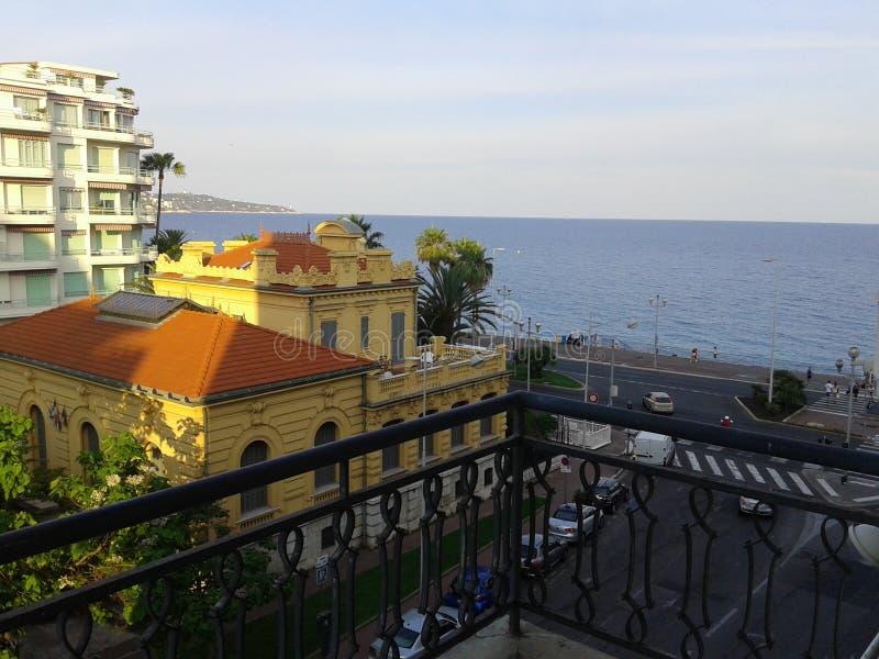 Sikt från balkongen, Nice royaltyfria bilder