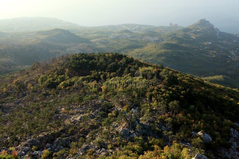 Download Sikt från bergen arkivfoto. Bild av sceniskt, turism - 27282410