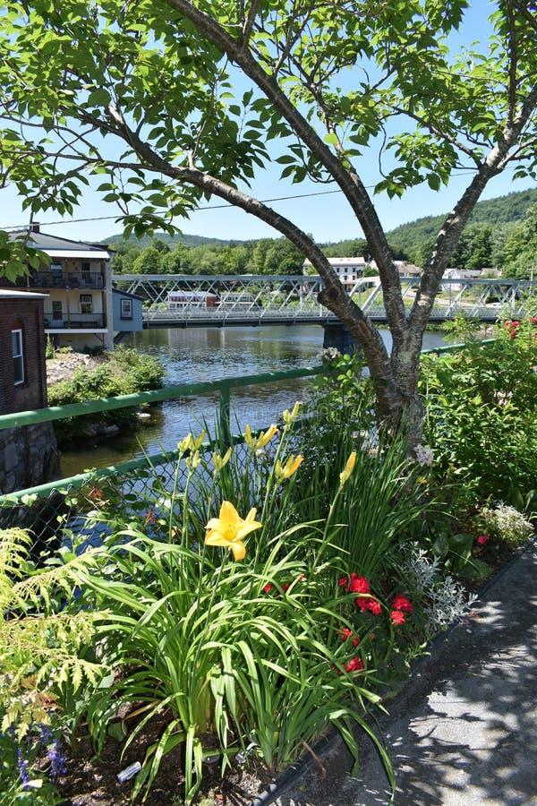 Sikt från bron av Fowers, Shelburne nedgångar, Franklin County, Massacusetts, Förenta staterna, USA royaltyfri fotografi
