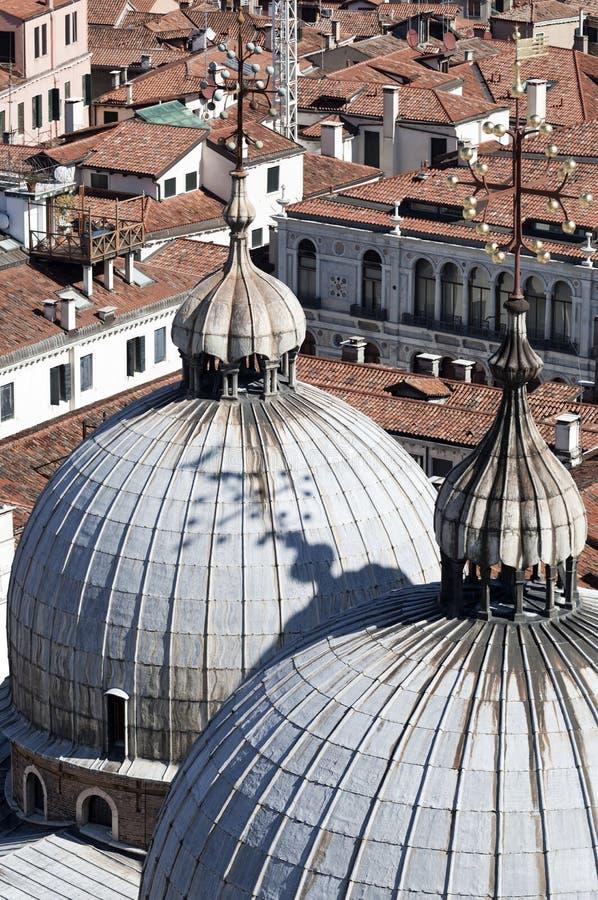 Sikt från Campaniletornet på den San Marco fyrkanten royaltyfri foto