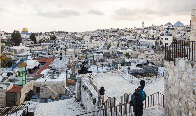 Sikt från den Damascus porten till Jerusalem den gamla staden israel fotografering för bildbyråer