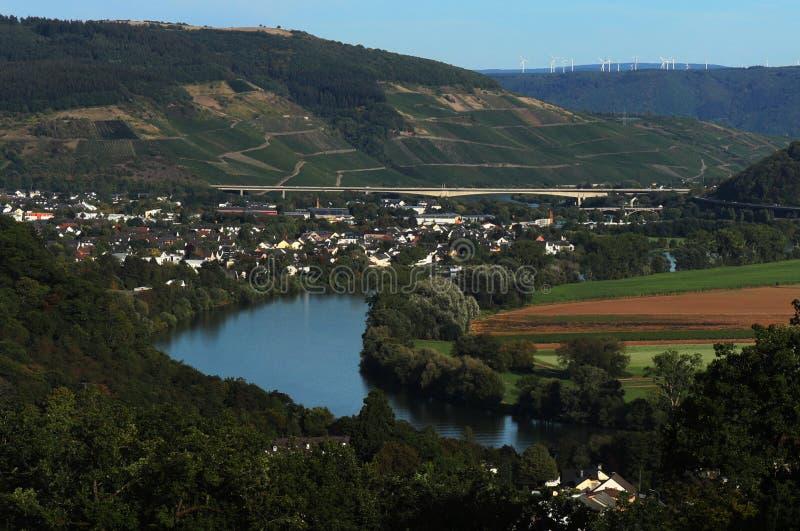Sikt från den Moselle slingan i Tyskland arkivbilder