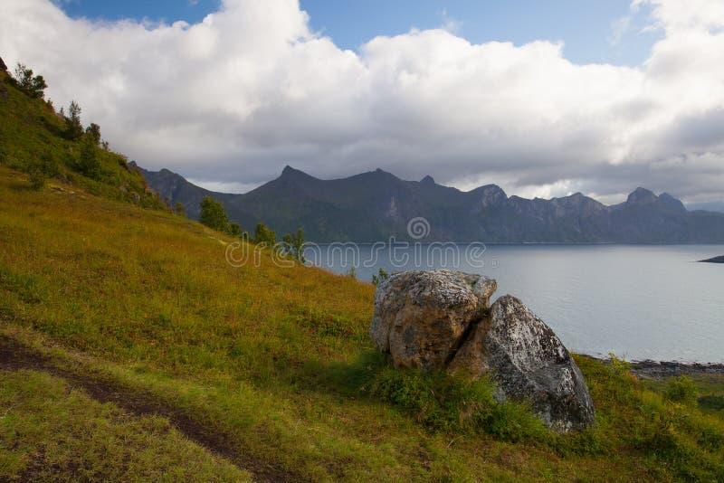 Sikt från det Knuten maximumet på det Segla berget, Norge royaltyfria bilder