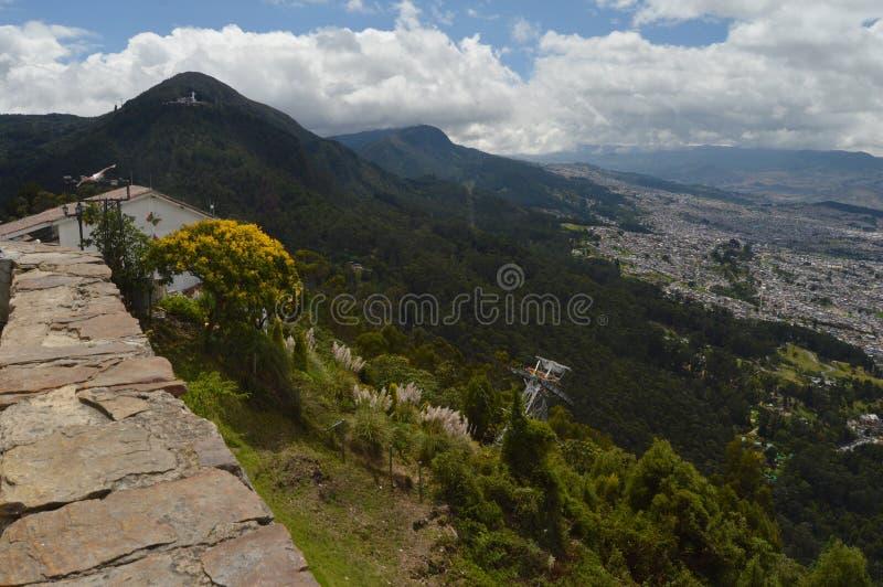 Sikt från det Monserrate berget i Bogota, Colombia fotografering för bildbyråer