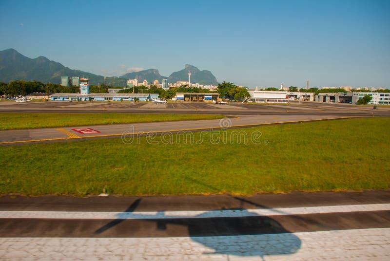 Sikt från en helikopter av Rio de Janeiro Barra Da Tijuca grannskapar Rio de Janeiro Brasilien arkivbilder
