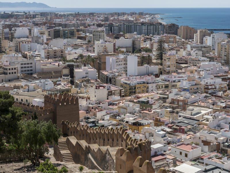 Sikt från fästningen av moriska hus och byggnader royaltyfri bild