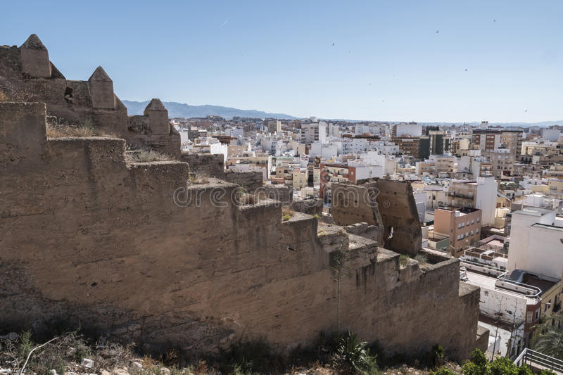Sikt från fästningen av moriska hus och byggnader längs arkivfoto