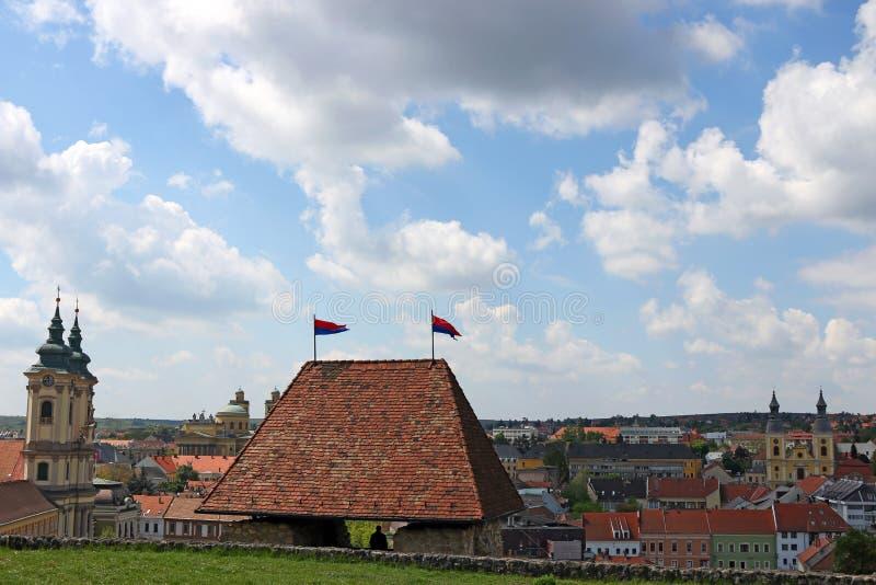 Sikt från fästningen till staden av Eger royaltyfri foto