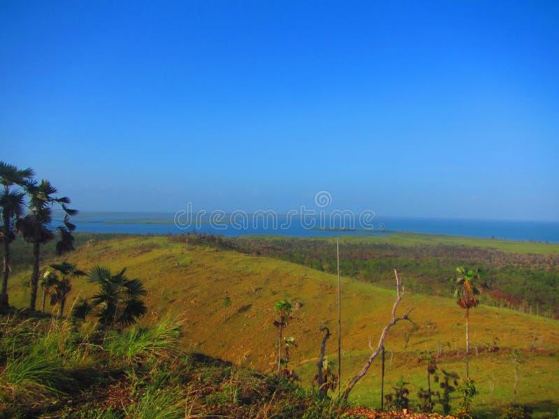 Sikt från för krislansering för kubansk missil platsen, ö av ungdomKuban royaltyfria foton