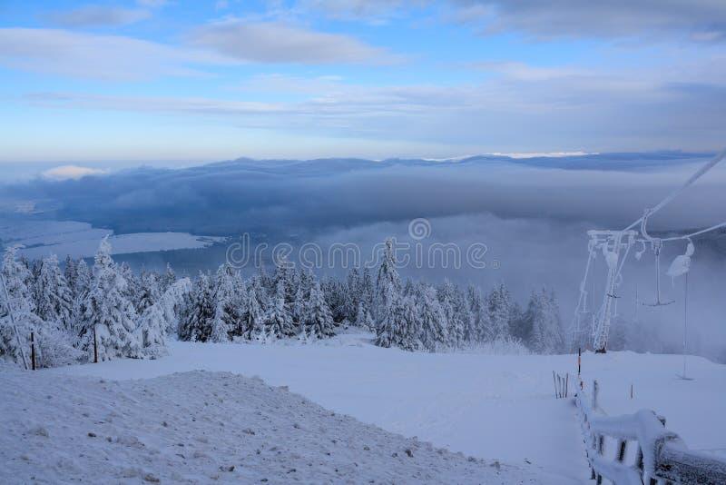 Sikt från Fichtelbergen i vinter arkivbilder