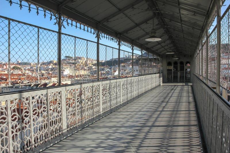 Sikt från gångbanan av Santa Justa Lift. Lissabon. Portugal arkivfoto