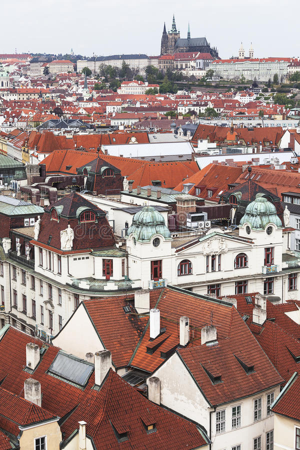 Sikt från gammalt stadshus på Prague, cityscape, Tjeckien arkivfoton