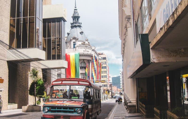 Sikt från gatan Ayacucho i La Paz fotografering för bildbyråer