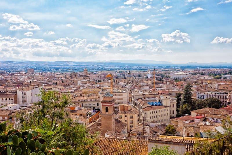 Sikt från höjd till Granada royaltyfri bild