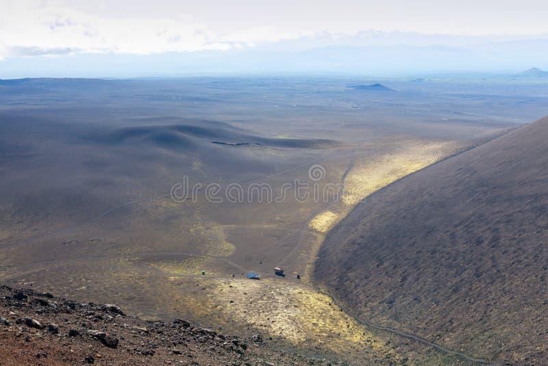 Sikt från ovannämnt maximum av berget Landskap av Kamchatka royaltyfri foto