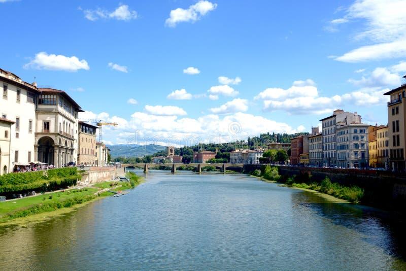 Sikt från Ponte Vecchio arkivbilder