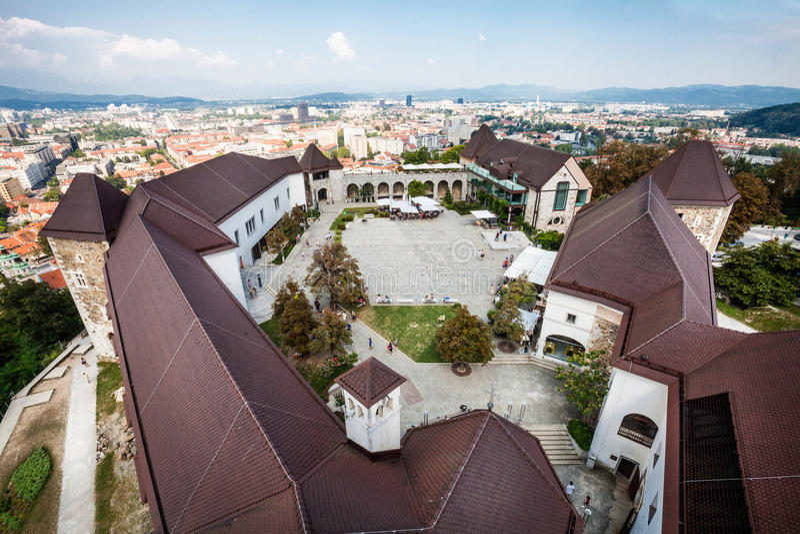 Sikt från slotten av Ljubljana, Slovenien cityscape arkivfoto