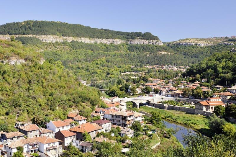 Sikt från Veliko Tarnovo, medeltida stad i Bulgarien arkivbild
